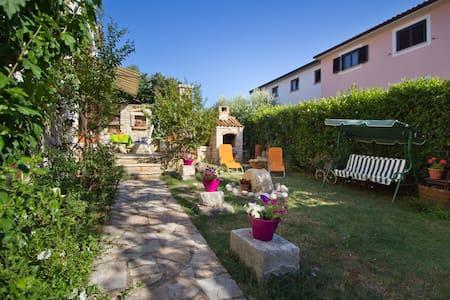 Vita place to relax near city&sea - Apartment