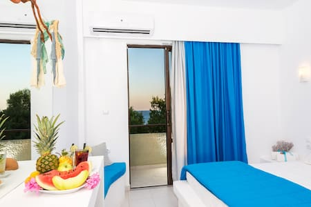 Beach front Double room! - Lachania