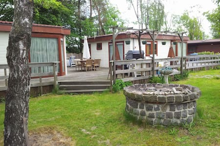 Chalet with 2 rooms, living, sleep - Bungalo