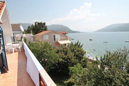 3 bedrooms 10 meters from the sea