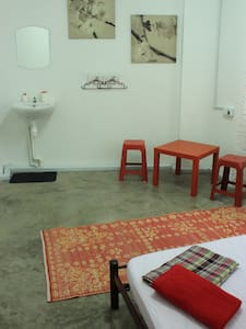 Cosy Twin bed in the heart of KL - Bed & Breakfast