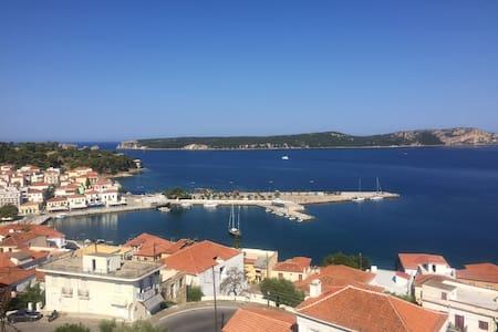 AMK Vacation Paradise - Pilos - Hus