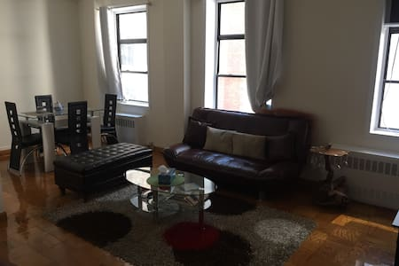 One bedroom near Grand Central