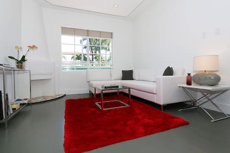 Amazing location new and fresh 1bed