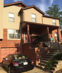 Beautiful Chesterfield Condo - Chesterfield - Wohnung