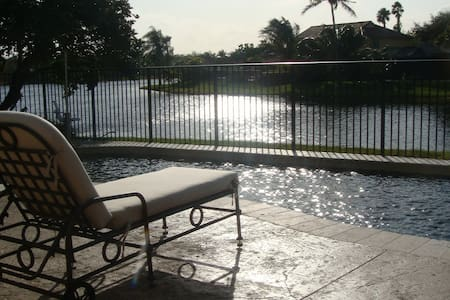 Large Room Lakefront Pool Home -Fort Lauderdale - Weston - Dům