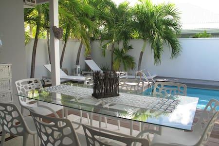 Casa Cosy, villa de charme bord de mer Orient Baie - Villa