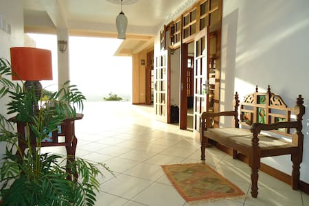Beach and Golf Villa - Villa
