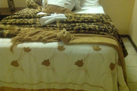 WG Guest House - Bulawayo - Bed & Breakfast