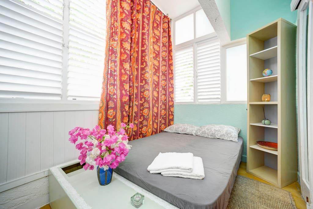 Room in central Tel Aviv, near BEACH