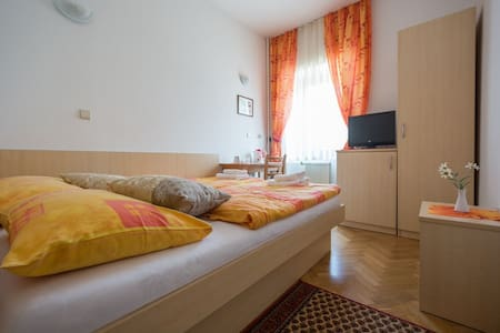 Double Room (2 adults) - Wohnung