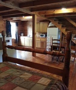 Log Cabin with mountain views - Hytte