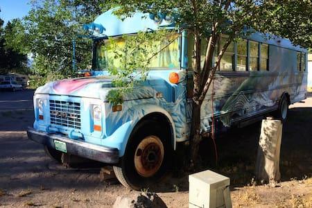 Nature Bus at Hot Springs Resort - Monroe - Camping-car/caravane