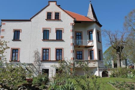 Ferienwohnung in Jugendstilvilla 1903 - Teisendorf