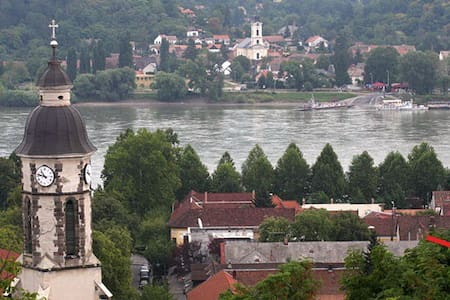 Central,very close to the Danube - Nagymaros - Daire