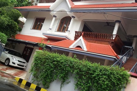 Perlachithra House , Alappat Nagar - House