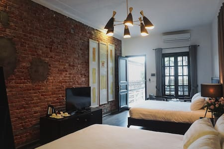 Quadruple Room With 2 Queen Bed in Old Quarter - Hanoi - Villa