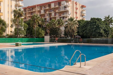 Bright Appartment-studio with nice views and pool. - Benalmádena - Condomínio