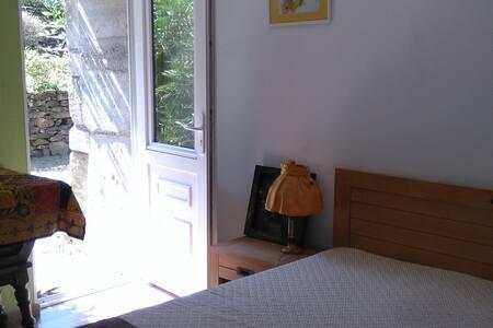 jolie chambre rattachée à un ancien corps de ferme - Acqueville - Appartement