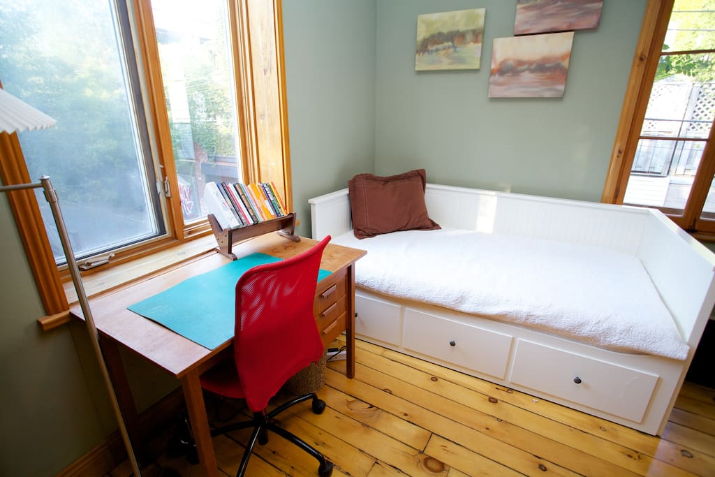 Second bedroom / office on the second floor.  The single day bed can be opened up into a queen size bed.