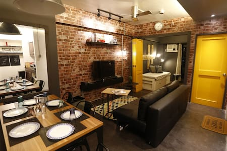 BNew 2BR Condo nr Makati & The Fort