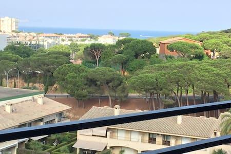6ème étage avec vue sur la mer - Castell-Platja d'Aro - Apartament