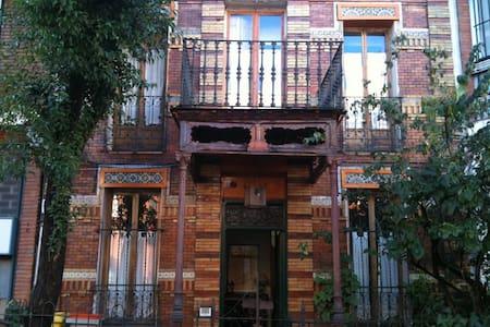 Preciosa casa finales siglo XIX-H2