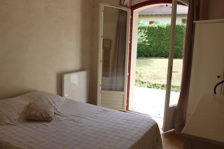 Chambre chez l'habitant à St Prest - Bed & Breakfast
