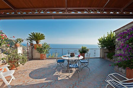 Lovely villa on the hill of Positano seaview, park - Nocelle