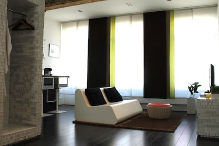 charming room with private bathroom - Antwerpen