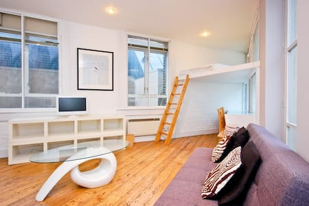 Clerkenwell loft Studio with 2 beds - Lontoo