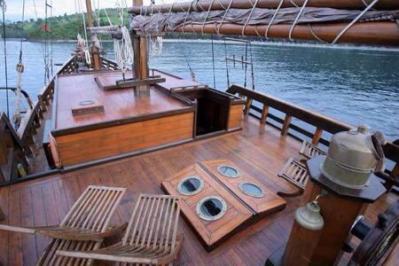 Luxury Pirate Boat in Bali