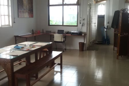 Bright Spacious Studio Amazing View - Yangon - Apartment