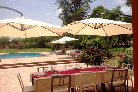 La Vie en Rose - Chambre 4 pers b&b Ferme d'hôtes - Marrakesh - Bed & Breakfast