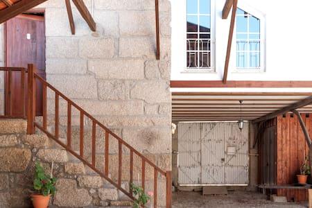 The weaver's refuge, Serra Estrela