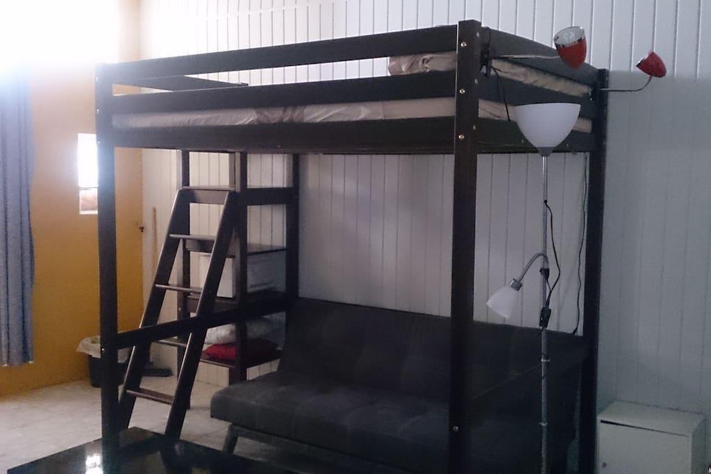 Chambre spacieuse et indépendante