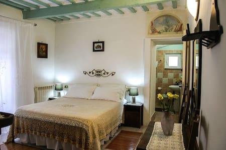Bed&Breakfast NATALIA camera tripla - Gualdo Tadino - Bed & Breakfast