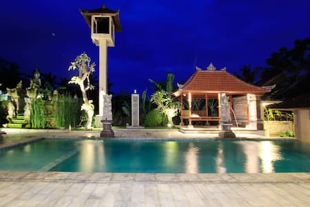 Inang Lily 1BR w/ Pool view - Ubud - Bed & Breakfast