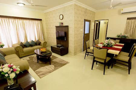 Lalco Residency is a luxurious complex of fully furnished serviced apartments in the heart of suburban Mumbai (Andheri - E). LR is an affordable alternative to expensive hotels, offering the comforts of home with the services & amenities of a hotel.