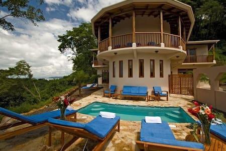 Villa Siete: 111463