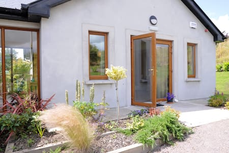 Ring of Kerry Delightful Apartment - Byt
