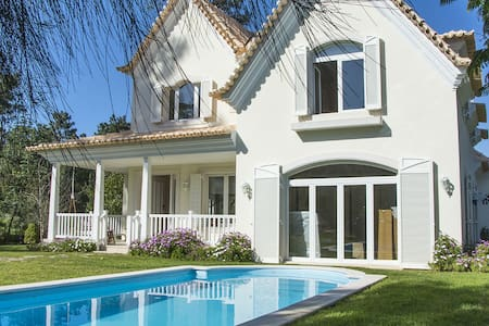 Beautiful Villa, Lake View on the Golf near Beach