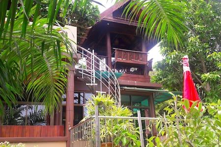 3 bedroom A/C Thai villa, spa pool, WiFi, BBQ, TV - Trad  - Villa