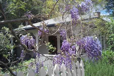 Darling Cottage in Magical Wentworth Falls - Ev