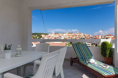 4.Sea view apartment with  terracey - Vrbnik