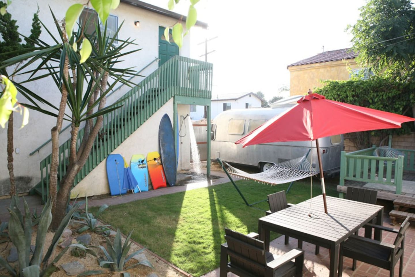 2 units on same property with shared beach toys + ample parking