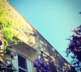 La Fosse, rural stone gite & pool - Ev