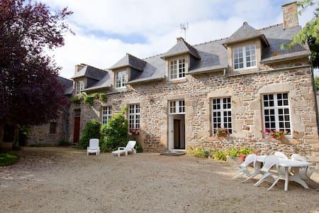 Maison de Maitre 3ch Dinard St Malo - Ploubalay - Rumah