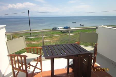 Maisonette on the beach, Potidea - Apartment