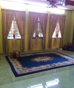 Cozy Village House, Ample Parking - Pasir Mas - Haus
